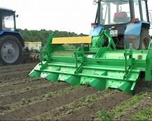 Универсальная машина для возделывания картофеля и овощей УМВК-2.8 в работе